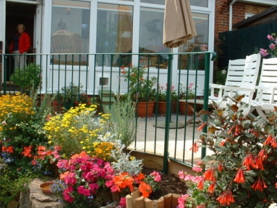 Steel railing in green for decking edge, Honiton, Devon