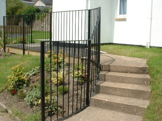 Bespoke curved steel railing for steps, Honiton, Devon