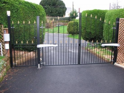 Automated drive gates fabricated in mild steel, Willand.